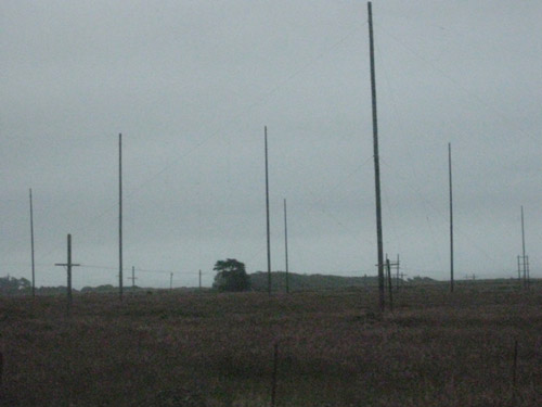 KPH rhombic and long-wire antennas directed toward the Pacific Ocean